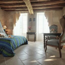 Live French vous propose des cours personnalisés de Français en totale immersion, dans des chambres d'hôte d'exception.
